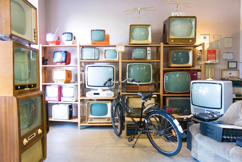 L'obsolescence pousse la consommation intensive d'appareils numériques et détruit sa durabilité (source : Pixabay)
