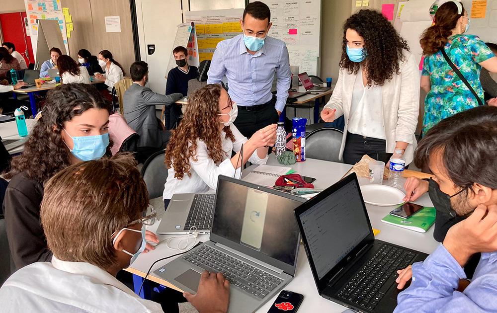 Les élèves ingénieur.es de l'EIVP en pleine réflexion (Photo EIVP - VEOLIA)