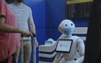 Le robot humanoïde Pepper veille au port du masque