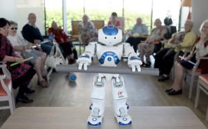 A Issy-les-Moulineaux, les résidents des EHPAD dansent avec les robots