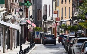 Paris-Saclay signe une convention avec la CCI pour accompagner les commerçants dans leur transition numérique.