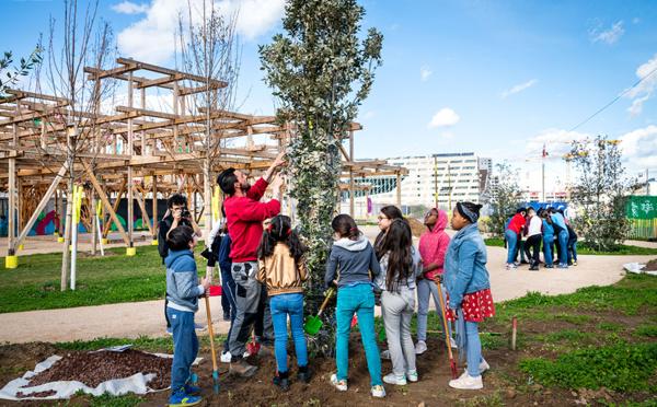 Lyon Confluence :  Revégétaliser pour apporter du bien-être aux habitants